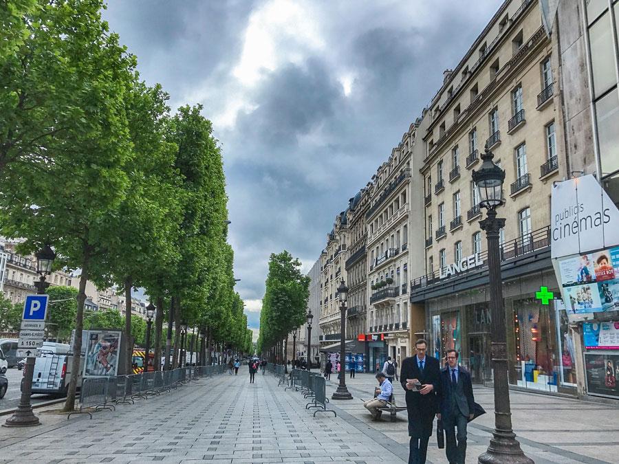 Champs-Elysées Parijs