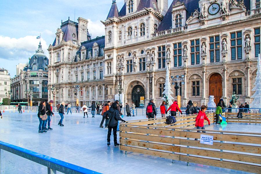 Schaatsen bij het Hotel de Ville winter in Parijs