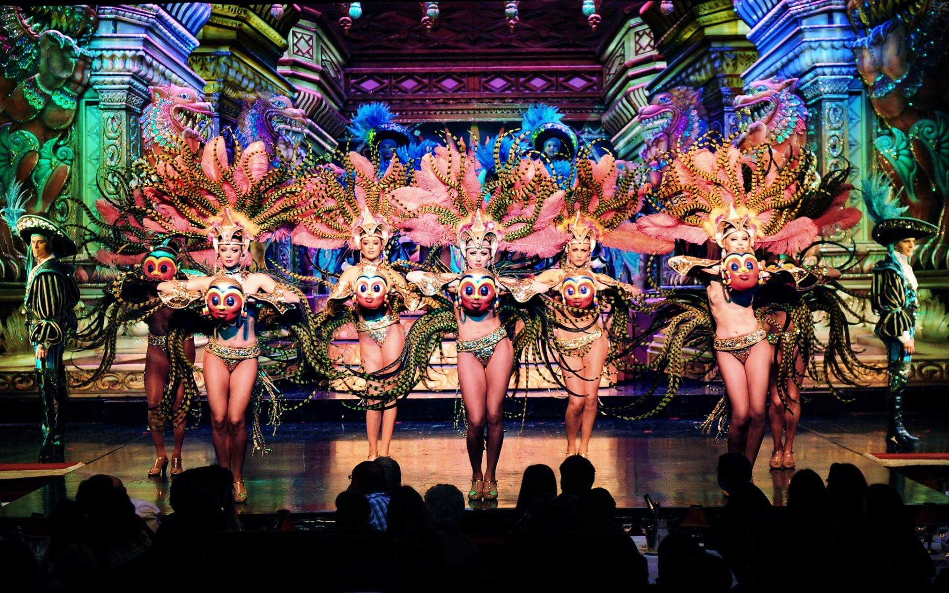 Moulin_rouge_entertainment_parijs_Regen_dinnershow