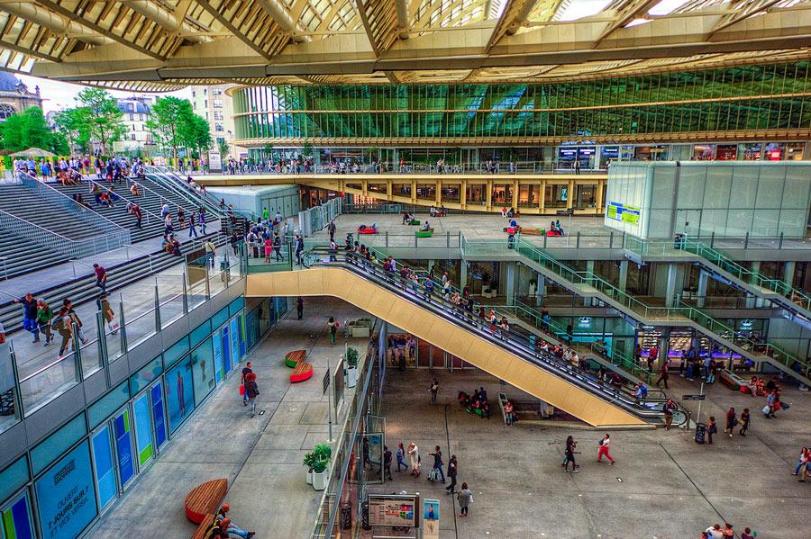 Forum des Halles winkelcentrum in Parijs