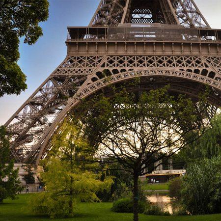Glazen wand rond de Eiffeltoren??