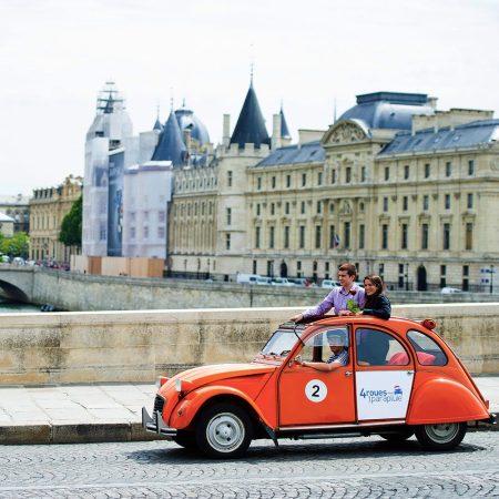 Romantische tip – Tour door Parijs in een Citroën 2CV