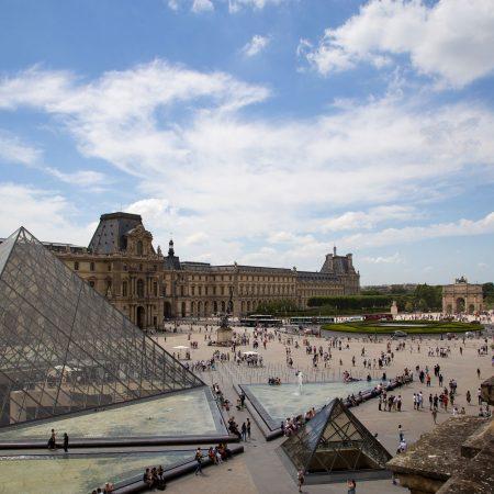 De geheime ingangen van het Louvre