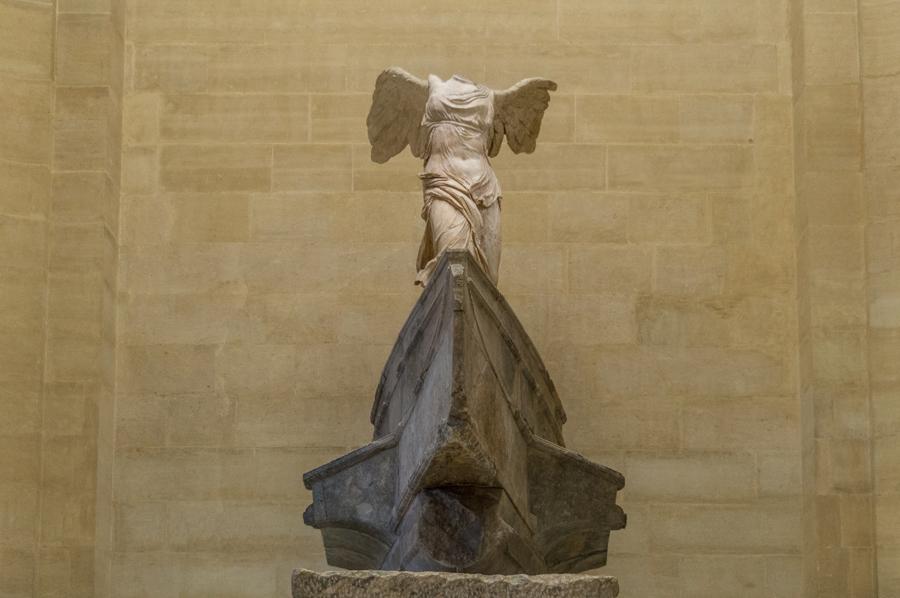 Nikè van Samothrake Louvre museum Parijs