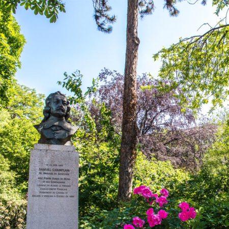 Verborgen tuin bij de Champs-Élysées