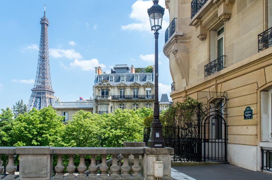Uitzicht op de Eiffeltoren vanaf Avenue de Camoëns