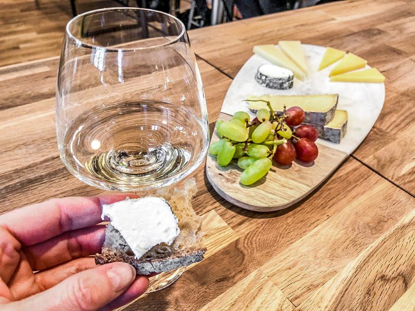 Wijn- en kaasproeverij in het Galeries Lafayette