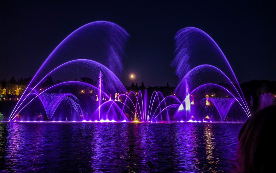Lichtshow bij het Palais van Versailles