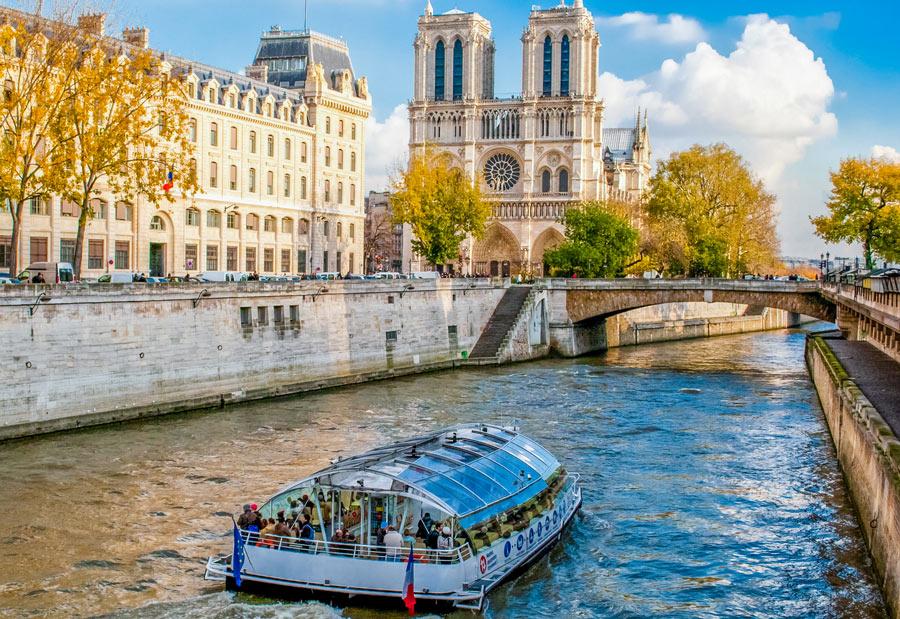 Wat te doen in Parijs? Hop on hop off boot Parijs