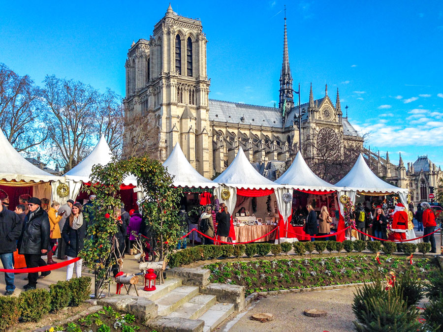 Kerst kraampjes bij de Notre Dame