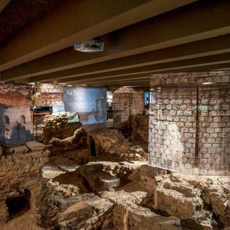 Notre Dame tip: Bezoek de archeologische crypte