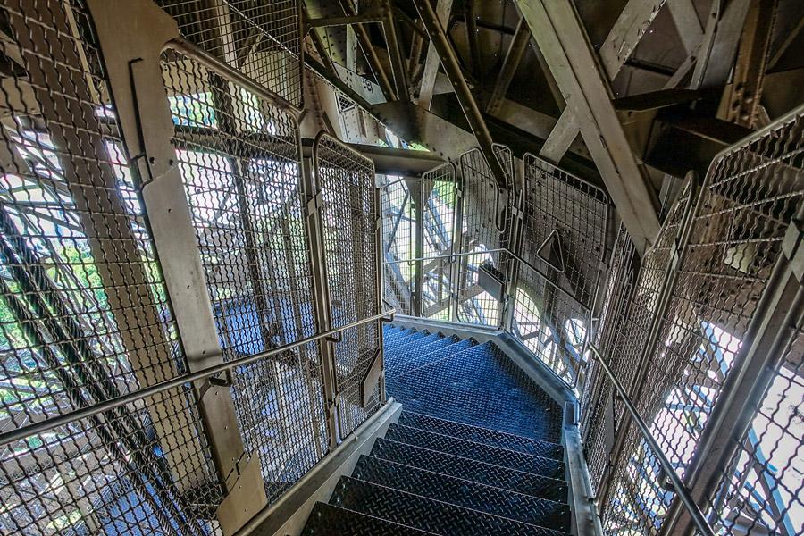 Eiffeltoren beklimmen trap