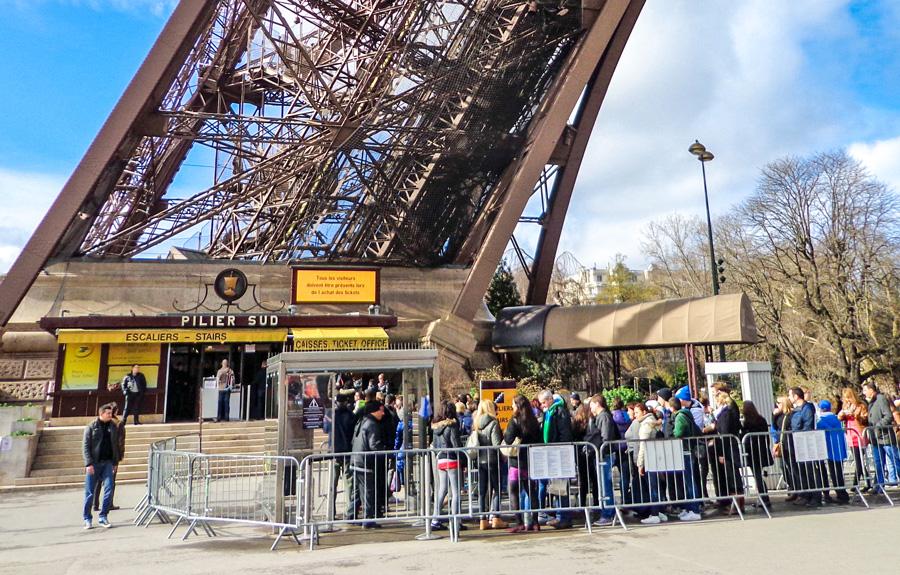 Ingang voor de trappen Eiffeltoren